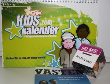 vasten: kids kalender _spaarbox + vasten boekje close-up