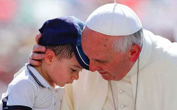 Pope-Francis-and-child